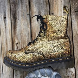 NWT Dr. Martens 1460 Pascal Crackle Boot Gold 6